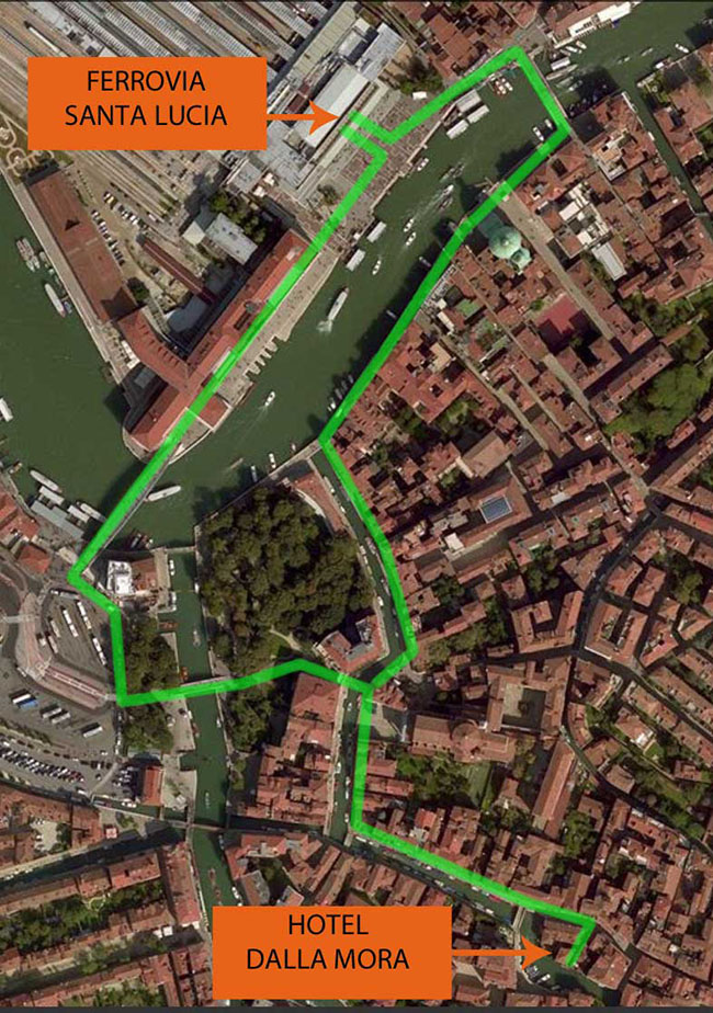 photographic map of the routes to get to the hotel Dalla Mora, from the train station of santa lucia