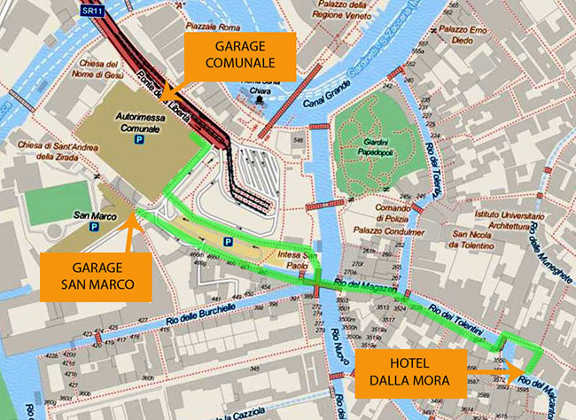 Map with the route from the San Marco garage and from the Comunale garage to the hotel dalla mora.